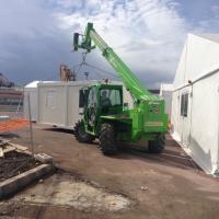 Taranto, il viaggio nel nuovo hotspot per i migranti