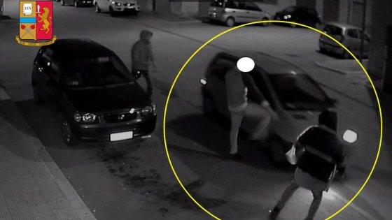 Manfredonia, un sabato notte di follia in città: le telecamere incastrano gli otto vandali