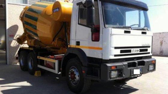 """Bari, le mani del clan sui cantieri: """"Imponevano il cemento di un'azienda dei Matarrese"""""""