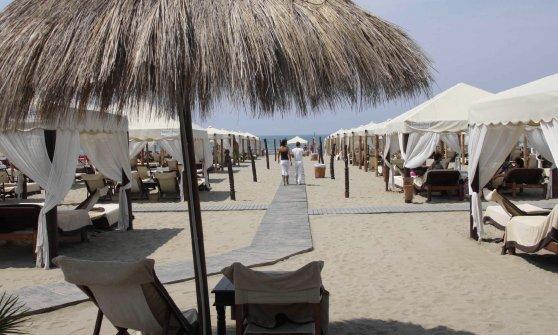 Turismo, Briatore sbarca in Salento: a Otranto nascerà il lido extralusso Twiga beach
