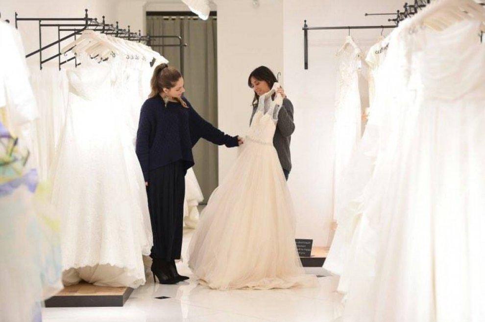 Flavia Pennetta prova l'abito da sposa: non sono incinta