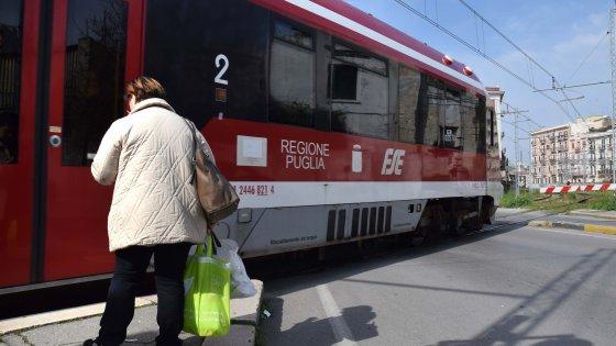Ferrovie Sud Est, nel mirino gli sprechi per il personale: in 180 negli staff, boom di permessi