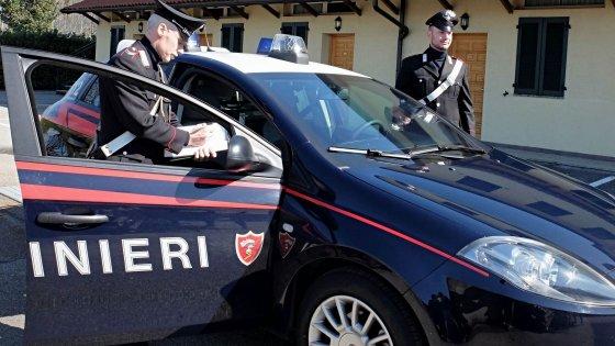 Pedofilia, falso prete arrestato a Brindisi per abusi su minori: vittime sono figli di genitori indigenti