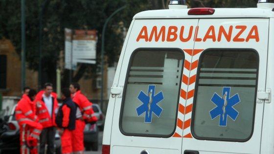 Foggia, l'ospedale non può operarlo: per salvare il braccio affitta ambulanza e va in struttura privata