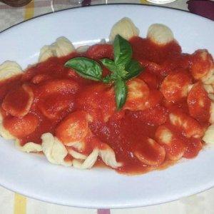 Bari, il menu local delle mense scolastiche: orecchiette, cavatelli e focaccia pugliese