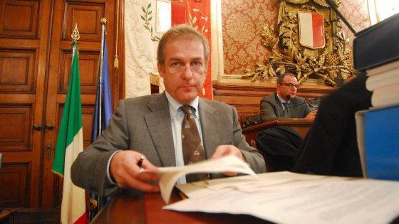 """Coni, Malagò apre l'inchiesta sulla pista di Mennea: """"Il progetto al nipote del presidente di Bari"""""""