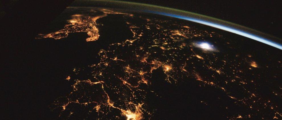 Bari, la magia della Terra negli scatti di @AstroSamantha