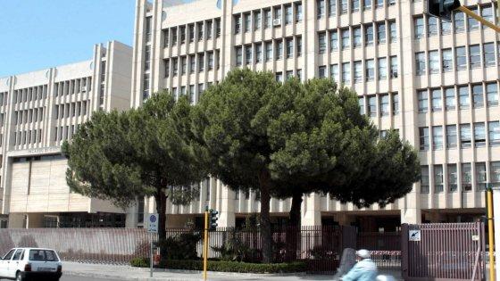 Lecce ex parlamentare pdl indagata con le sorelle for Parlamentare pdl