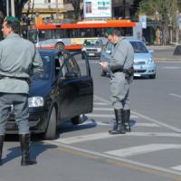 Bari, 17enne gambizzato in pieno centro: terrore alle 23 nel cuore della movida