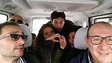 'Solo me ne vo', in taxi lo show dei Mezzotono