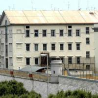 Carceri, a Bari gli uomini di clan si fanno arrestare per andare a prendere ordini dai...