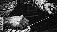 Trani, in bianco e nero i segreti degli artigiani