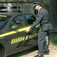 Trani, lubrificante venduto come gasolio: scoperta evasione fiscale. Diciannove arresti
