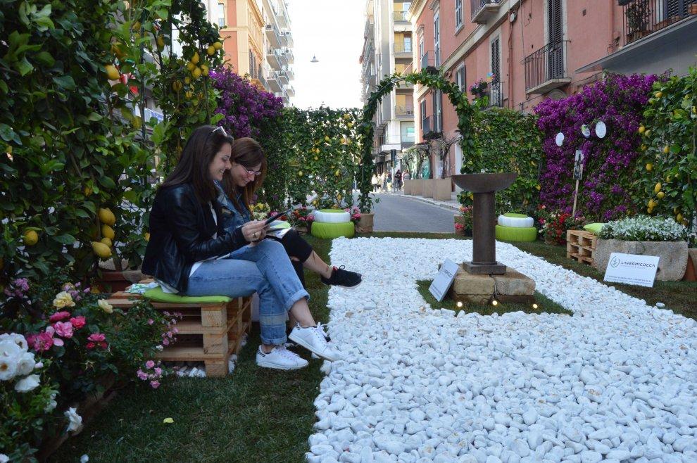 Foto giardini fioriti awesome giardini fioriti pi belli for Foto giardini fioriti