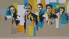 Bari, i liceali colorano    un murales per Falcone