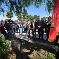Bari, mille studenti ricordano la strage di Capaci: canzoni, murales e bigliettini