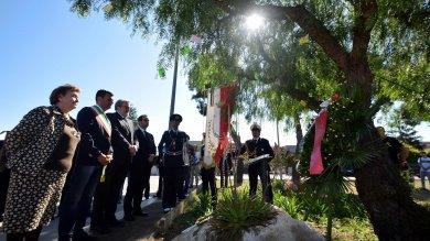 Bari, mille studenti ricordano Falcone   foto   canzoni e murales in diretta con Palermo