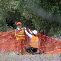 Gasdotto, arriva la Finanza sul cantiere Tap: foto e rilievi dopo l'avvio