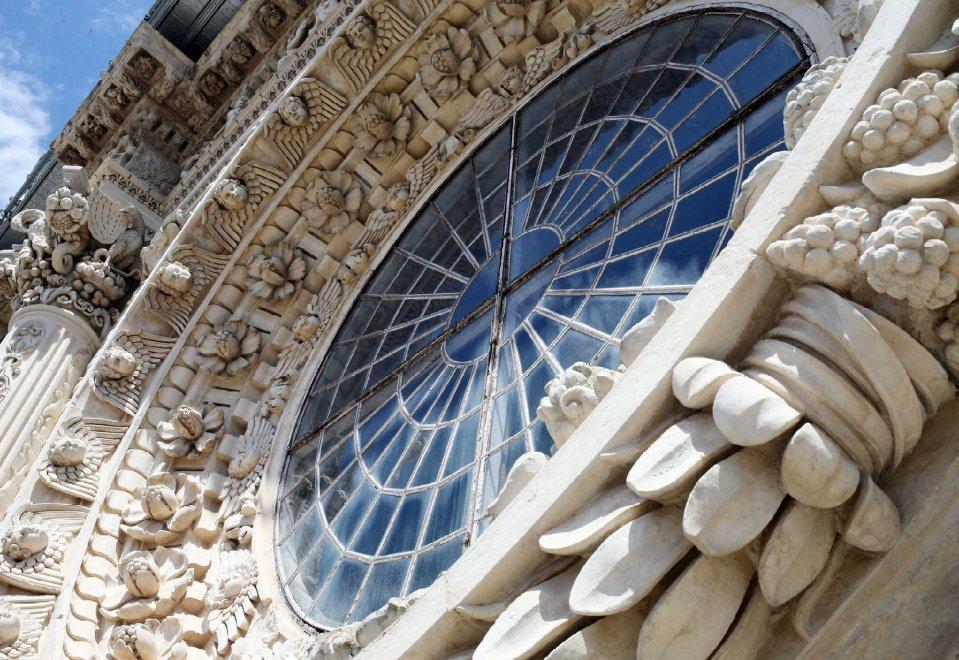 Lecce, il viaggio fra i gioielli in pietra a Santa Croce
