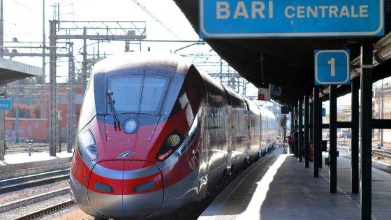 """Trasporti, Bari presenta il conto al governo: """"Servono 118 milioni per binari, stazioni e park"""""""