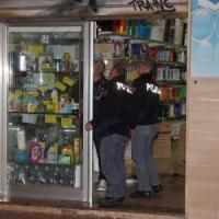 Taranto, commerciante ucciso da due killer sotto gli occhi del figlio: era