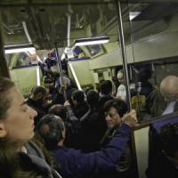 Puglia, pendolari in rivolta: dal 1° giugno stop all'abbonamento unico