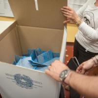Comunali, Brindisi al ballottaggio senza centrodestra. In Puglia tiene il Pd e M5S non sfonda