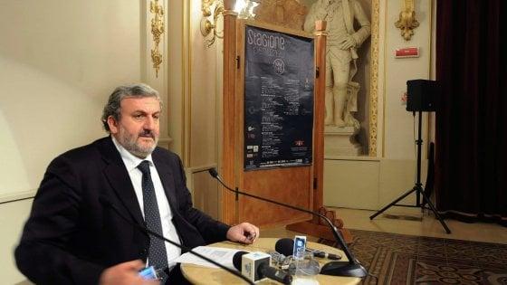 """Regione Puglia, Emiliano vieta i rapporti con le lobby: """"Pressioni indebite, generano sprechi e reati"""""""