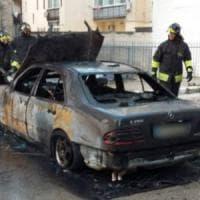 Bitonto, incendiata nella notte l'auto del capo dei vigili. Il sindaco: