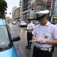 Bari pos per pagare le multe e tablet per identificare gli automobilisti: