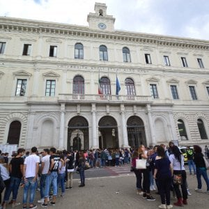 Università di Bari, iscriversi è una corsa: premi a chi arriva prima a immatricolarsi