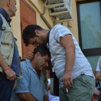 Scontro treni in Puglia, lo strazio dei parenti chiamati a riconoscere le vittime