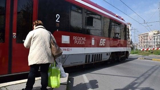 """Treni, in Puglia un nuovo allarme: """"Problemi ai freni per i convogli delle Ferrovie Sud Est"""""""