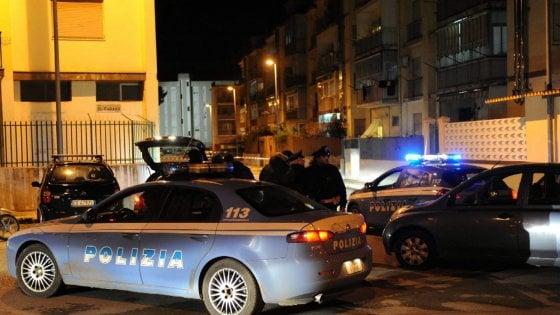 Bari, 39enne fu ucciso per le avances alla compagna del boss in carcere: presi killer e mandante