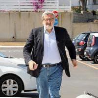 Taranto, l'Ilva non vuole Michele Emiliano in fabbrica. Il governatore: io ospite non gradito