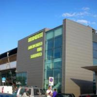 Brindisi, evacuato l'aeroporto: falso allarme e panico per il corto circuito in un negozio