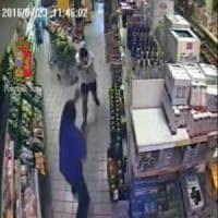 Bari, rapina armata in un supermercato: una 13enne nel commando, cinque