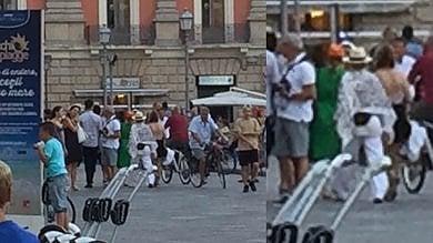 Ft  Madonna a Lecce: la popstar a spasso mimetizzata fra i turisti