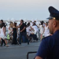 Bari, cena bianca sul mare con i controlli antiterrorismo
