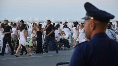 Ft  Bari, alla cena bianca sul mare scattano i controlli antiterrorismo