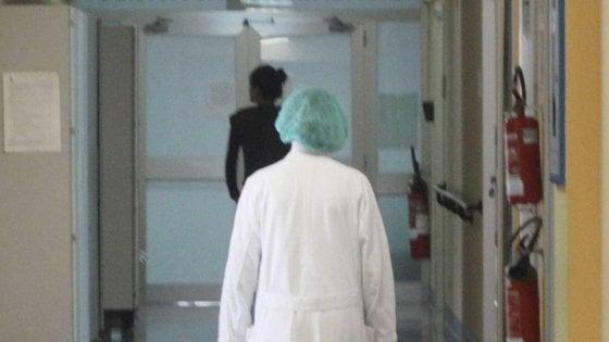 Brindisi, fuori pericolo il 16enne investito davanti al villaggio turistico: era uscito dal coma