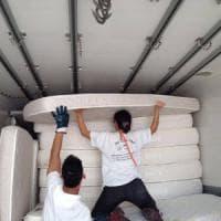 Bari, materassi delle crociere agli sfollati del terremoto. Gli aiuti dalla