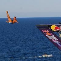 Polignano, i campioni mondiali dei tuffi per Red bull cliff diving: c'è