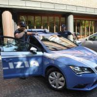 Corato, scippa la collana a una donna e morde il poliziotto: arrestato 23enne