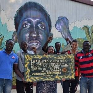"""Foggia, viaggio a 'Casa Sankara': """"Qui si rifugiano gli"""