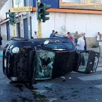 Bari, scontro tra due auto in via Brigata Bari: quattro feriti, uno è grave
