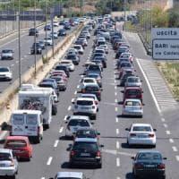 Bari, incidenti e 10 chilometri di coda sulla statale 16: è l'ultimo controesodo