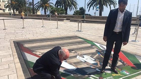 Terremoto, il murale con gli Azzurri a Bari per l'asta di beneficenza
