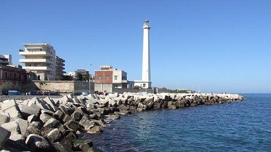 Otranto, sì al porto turistico: il governatore Emiliano firma il via libera