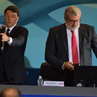 Bari, Renzi apre la Fiera del Levante fra gli attacchi di Emiliano. E lo gela sul turismo: